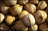 Good cholesterol foods example: picture of whole walnuts.