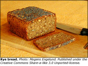 Good cholesterol foods: Danish rye bread with lots of whole grains.