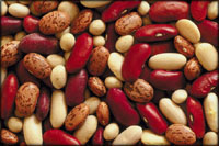Lowering cholesterol naturally by eating a variety of beans: Photo of mixed beans.