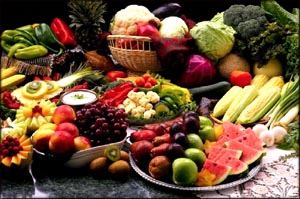 In your low cholesterol diet plan is good to include lots of fruits and vegetables.